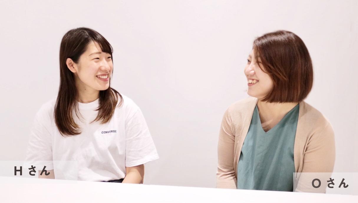 インタビューを受ける3年目看護師2名写真